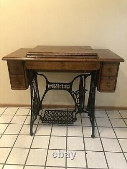 Vtg Antique Singer Treadle Sewing Machine Table Cabinet En Fonte De Fer Bois Tiger Chêne