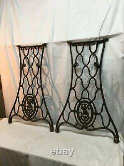 Vtg Singer Machine À Coudre Cast Iron Paire Treadle Base Legs Side Table Industrial